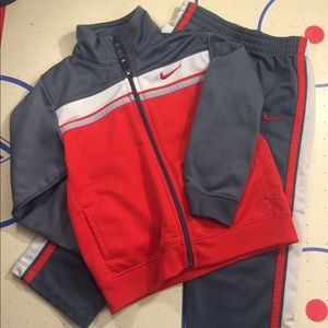 Boys Nike 2 Piece Set • Size 2T
